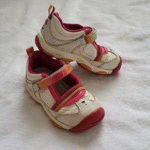 Stride Rite size 6 toddler girls walking shoes